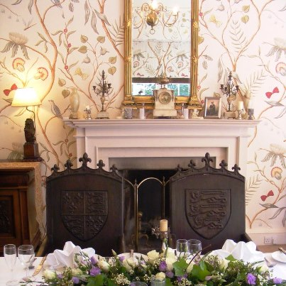 durn-house-wedding-table