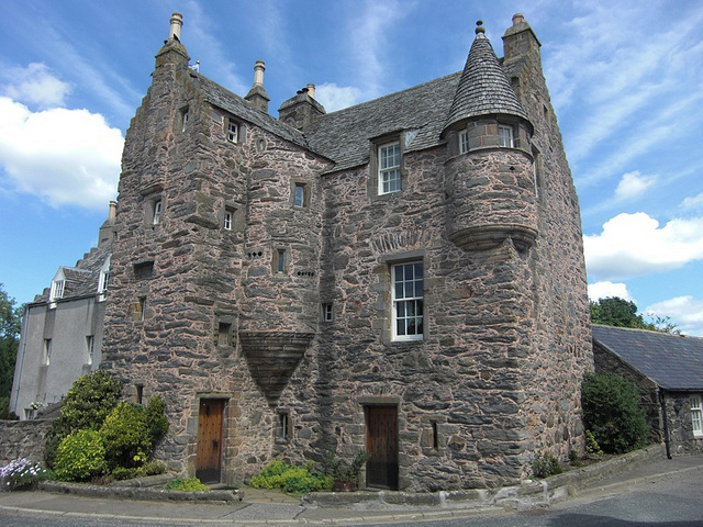 fordyce-castle-side-on