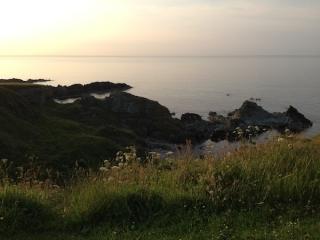 quinelan-bay-setting-sun-paulina